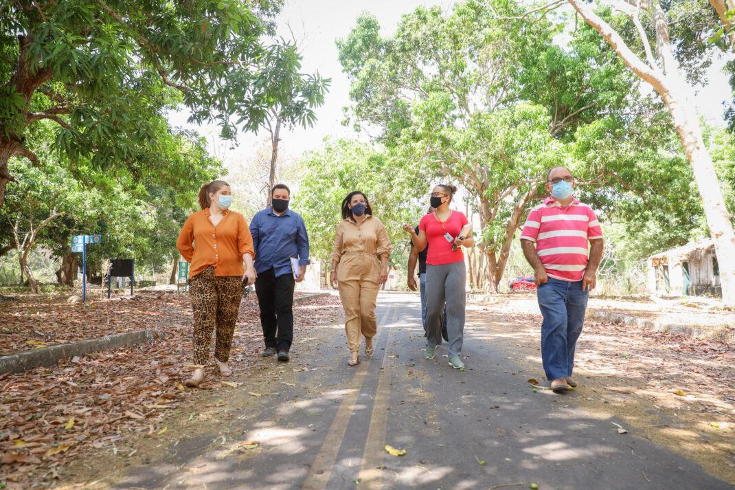 Secretária de Meio Ambiente visita obras no Parque Zoobotânico