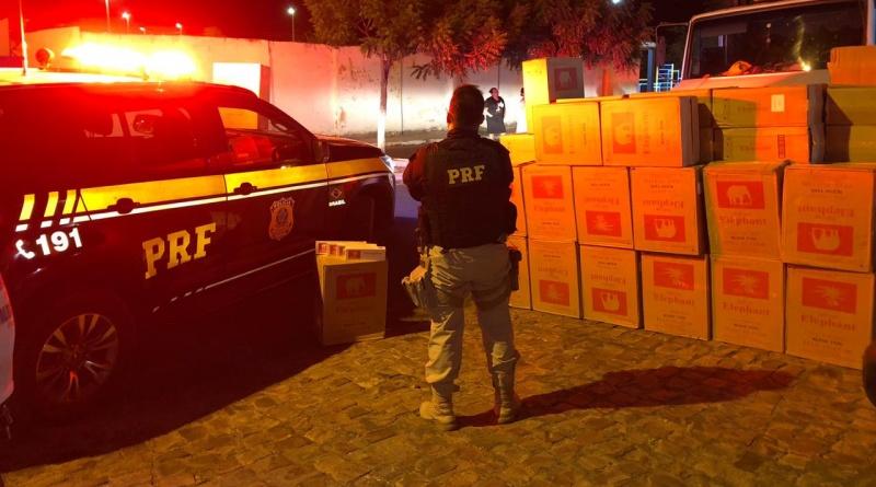 Carga de cigarros contrabandeados é apreendida pela PRF na BR-230