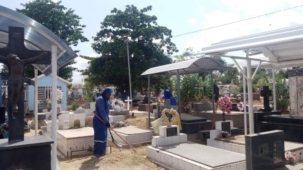 Cemitérios de Teresina se preparam para receber visitantes no Dia de Finados