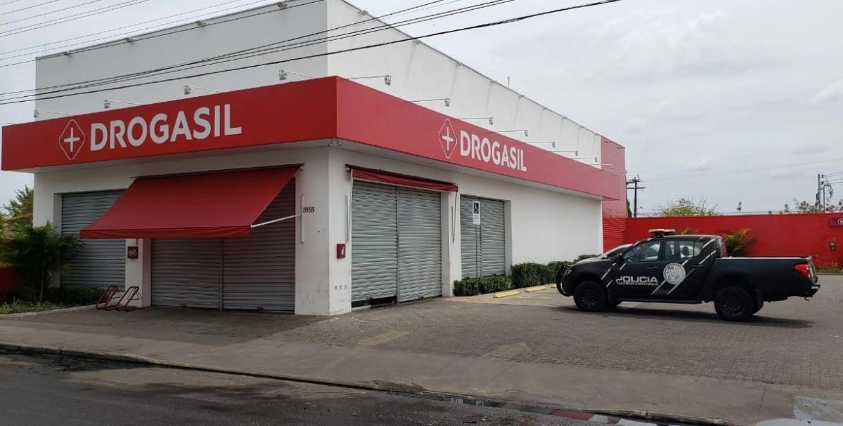Bandidos arrombam cofre e levam R$ 40 mil da farmácia Drogasil no Dirceu