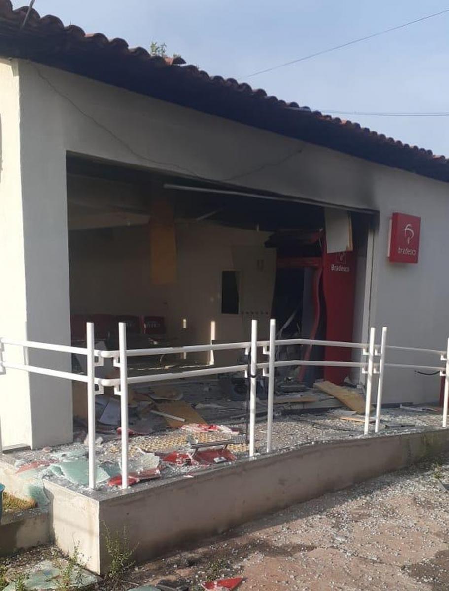 Criminosos explodem caixa eletrônico dentro de Secretária de Saúde no Piauí