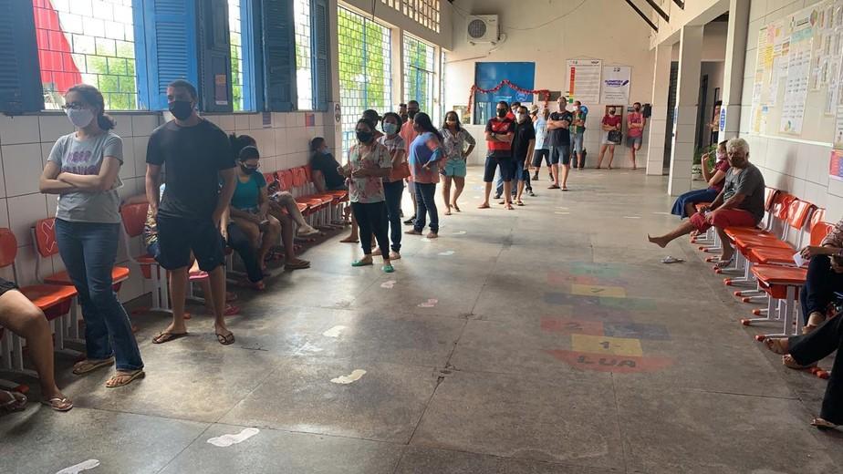 Votação atrasa três horas em seção após sumiço do livro de ata em Teresina
