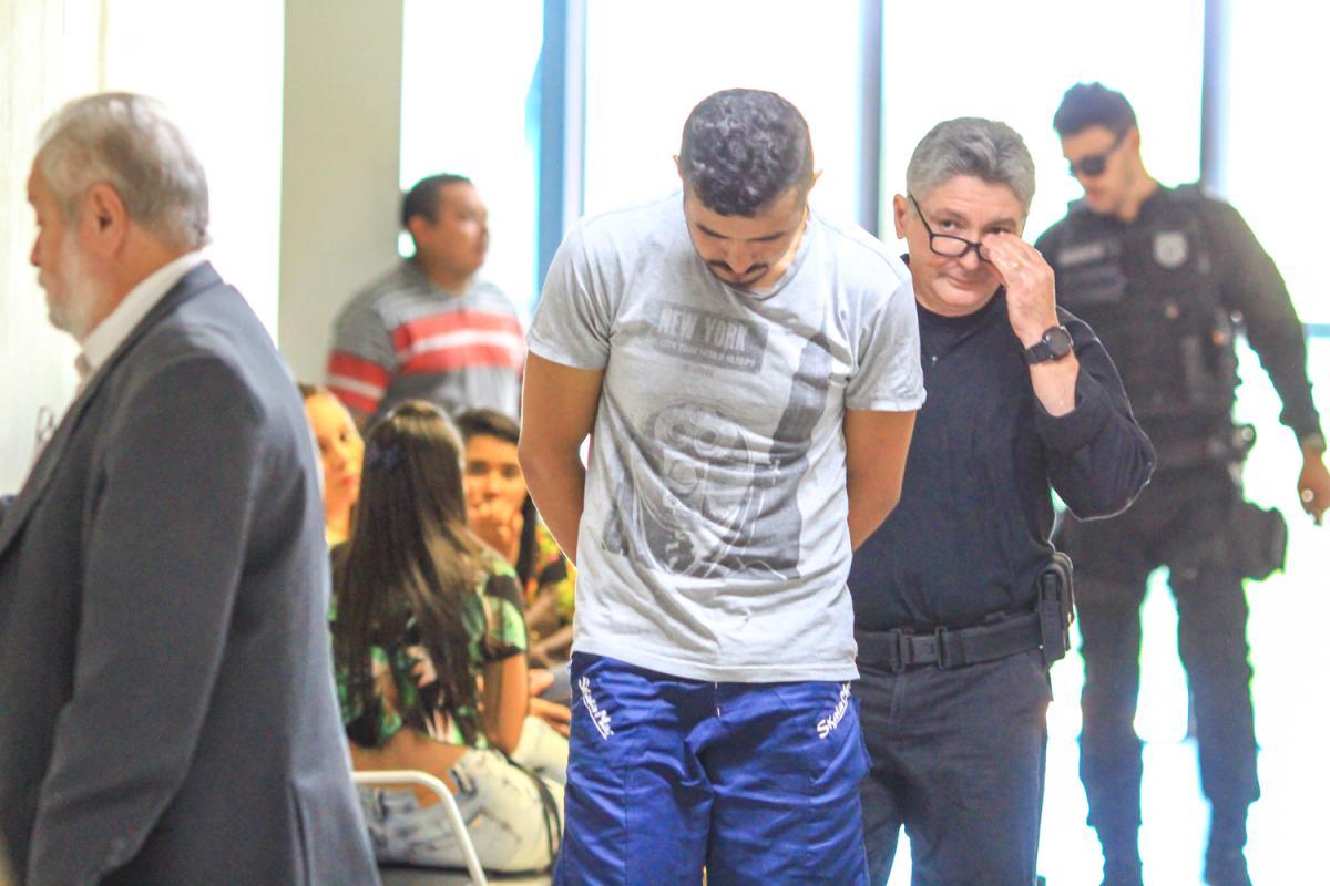 Réu é condenado a 20 anos de prisão por matar companheira a facadas