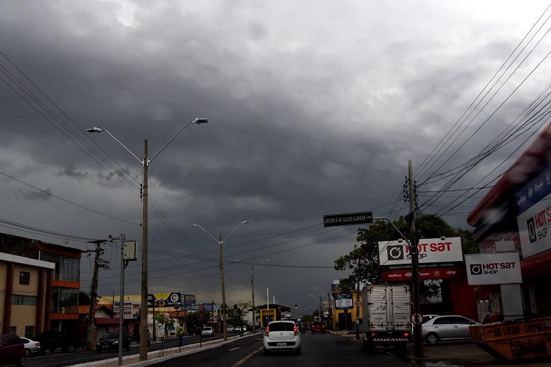 Inmet alerta para chuvas intensas em Teresina e 162 municípios do Piauí