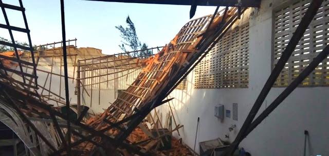 Teto de galpão desaba e deixa seis trabalhadores feridos em Parnaíba
