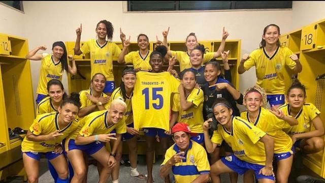 Tiradentes consegue vencer fora de casa e avança para as quartas de final do brasileiro