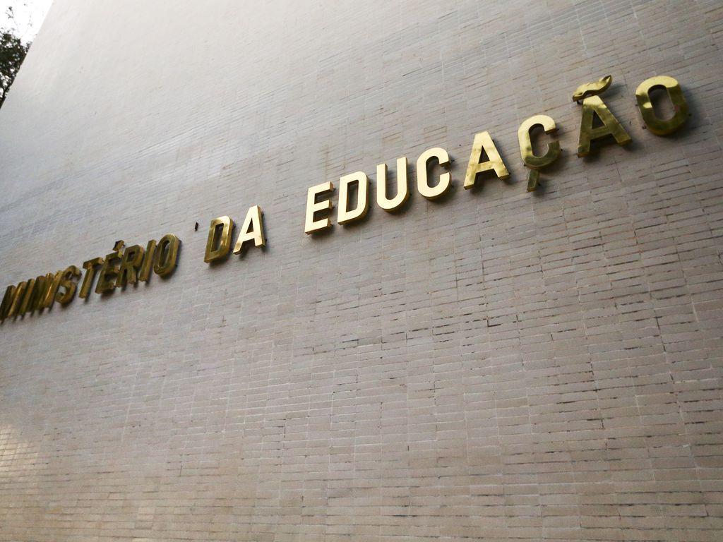 MEC desiste de retorno às aulas presenciais em janeiro