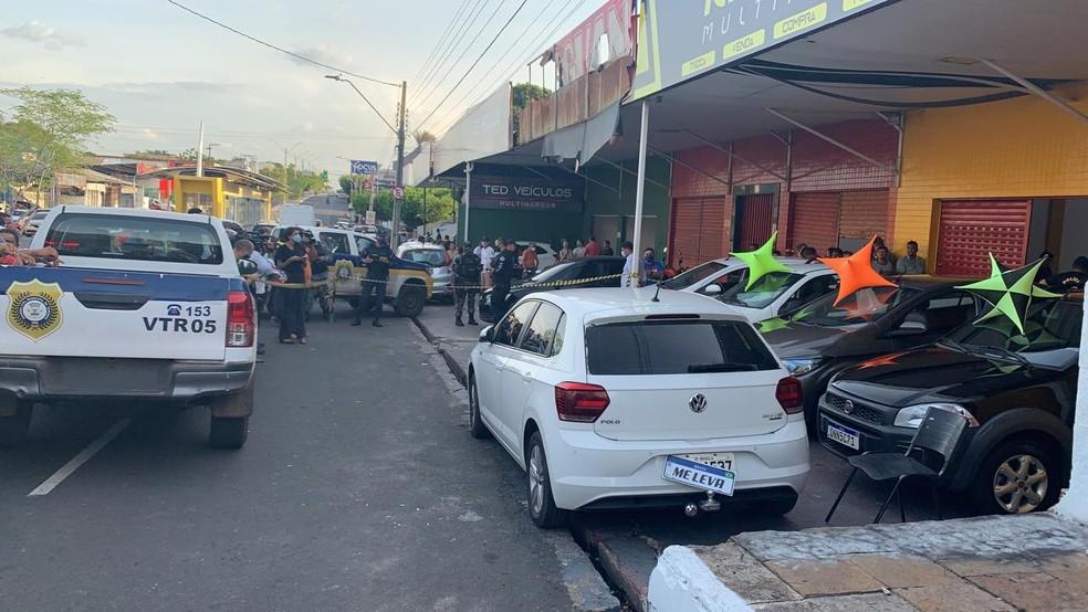 Corretor é assassinado a tiros na Avenida Barão de Gurguéia