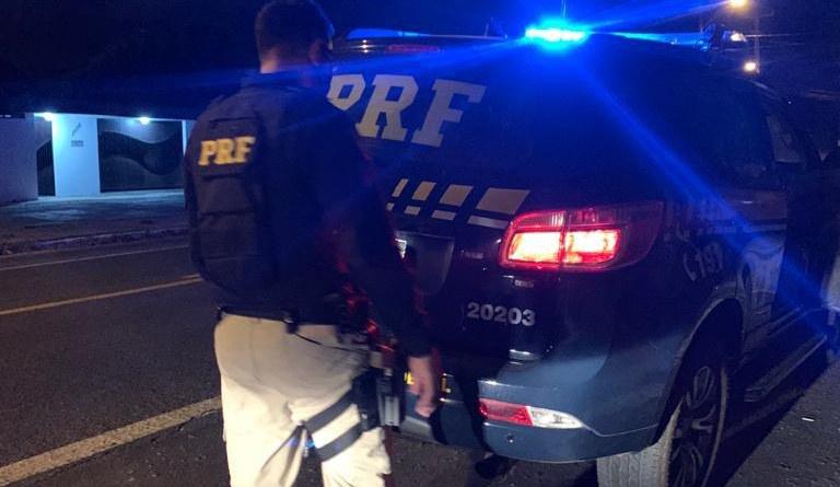 Condutor embriagado é preso pela PRF após atropelar homem na parada de ônibus em Teresina