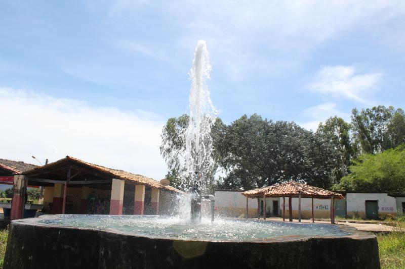 Poços Jorrantes desperdiçam água há cerca de 50 anos no Piauí