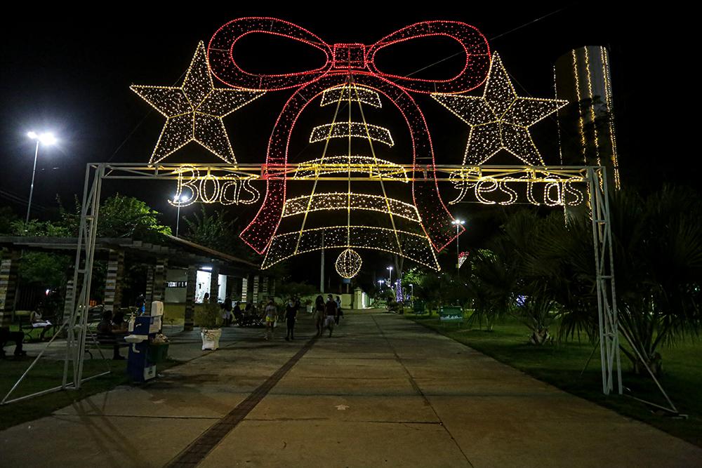 Decoração natalina é entregue pela prefeitura no Parque da Cidadania