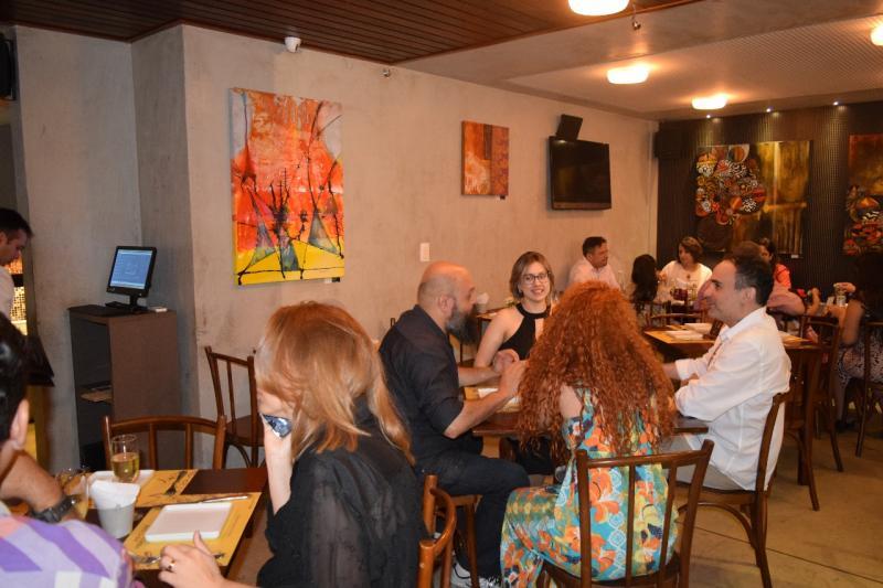 Montmartre itinerante: levamos a arte além dos limites da galeria com a exposição Luzidio