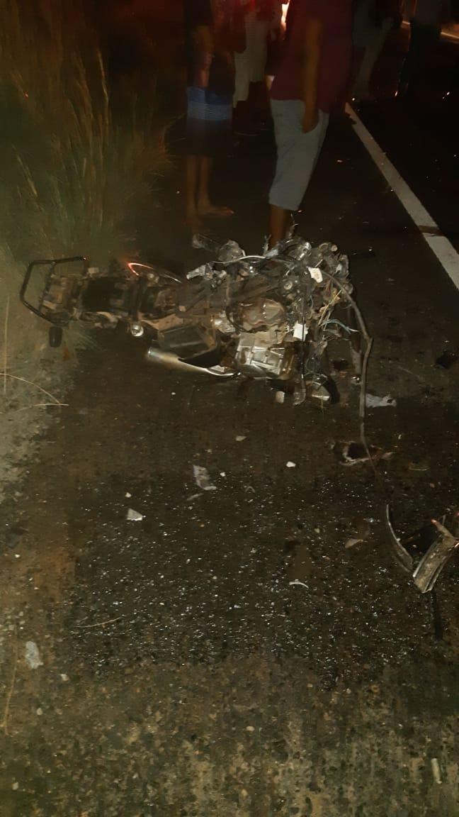 Colisão entre moto e caminhão deixa jovem morto na BR-316
