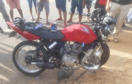 Colisão entre duas motocicletas deixa um homem morto na BR-407 no Piauí