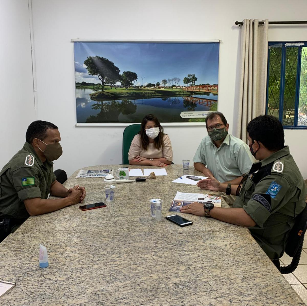 Secretária Elisabeth Sá se reúne com Batalhão de Policiamento e trata de urgências ambientais
