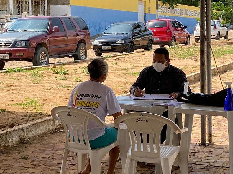 Sem prédio, prefeito de Alvorada do Gurguéia trabalha em estrutura improvisada