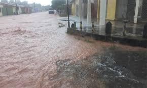 Prefeitura monitora áreas de riscos de alagamento ou deslizamento em Teresina