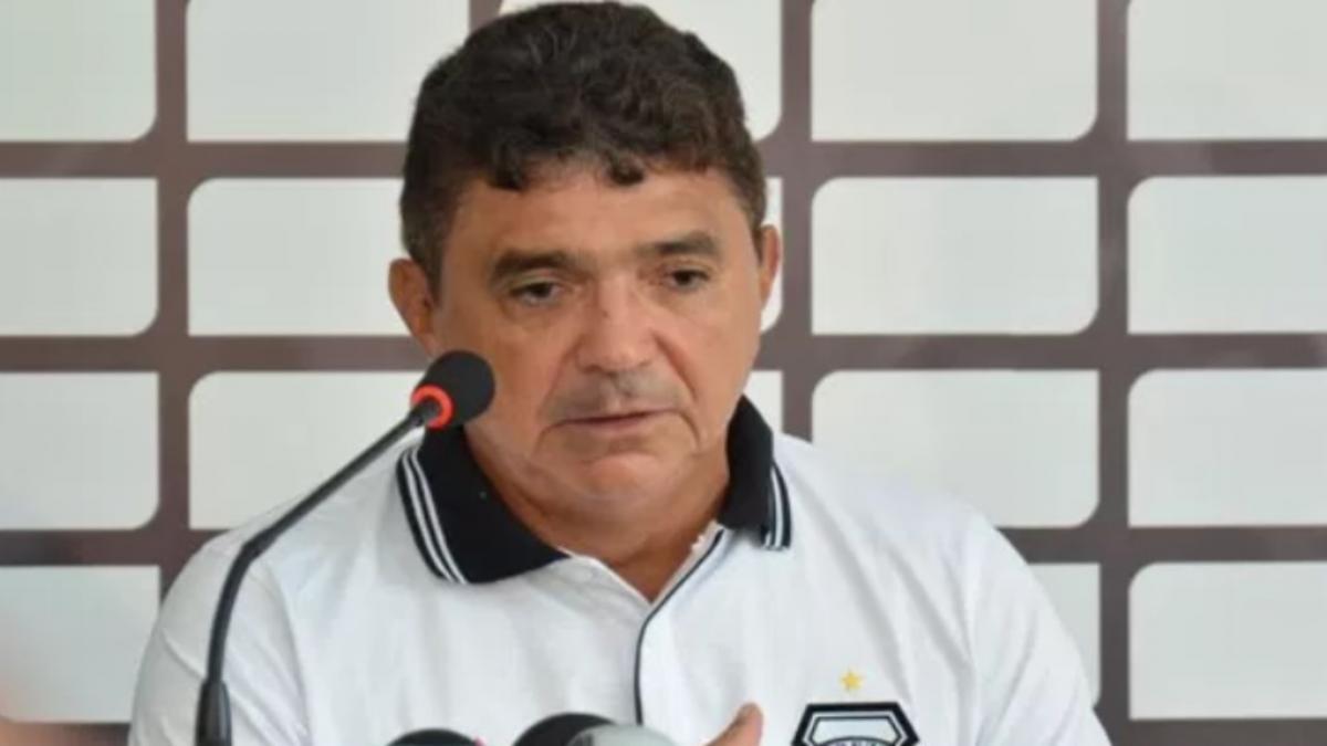 4 de Julho anuncia a contratação do técnico Flávio Araújo