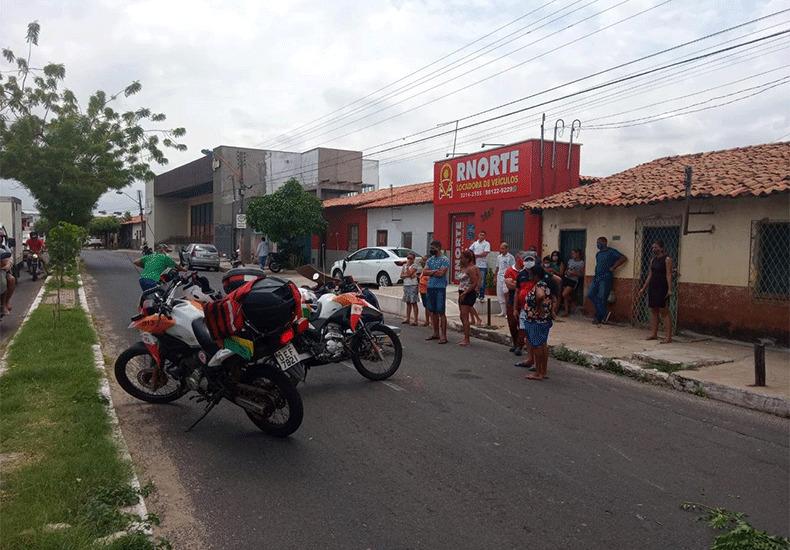 Idosa quebra as pernas após ser atropelada por motocicleta na zona Norte de Teresina