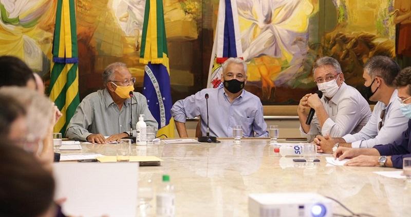 Prefeito de Teresina, Dr. Pessoa se reúne com empresários e discute desburocratização para o setor