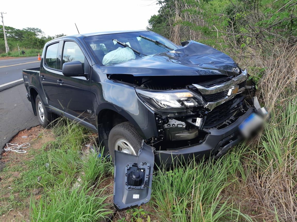 Homem morre após colisão entre carro e moto na BR-343