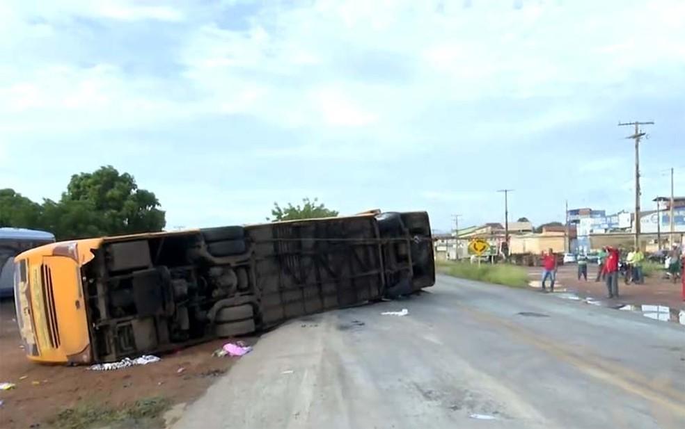 Cinco pessoas morrem em ônibus que saiu do Piauí com destino à São Paulo